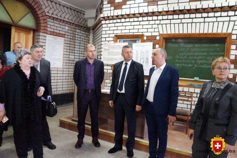 Делегація керівників закладів професійно-технічної освіти Хмельниччини відвідала Рівненщину