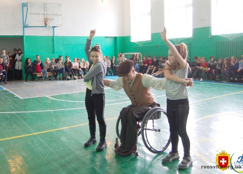 Білокриницькі школярі зустрілись із заслуженим майстром спорту України Іваном Сіваком