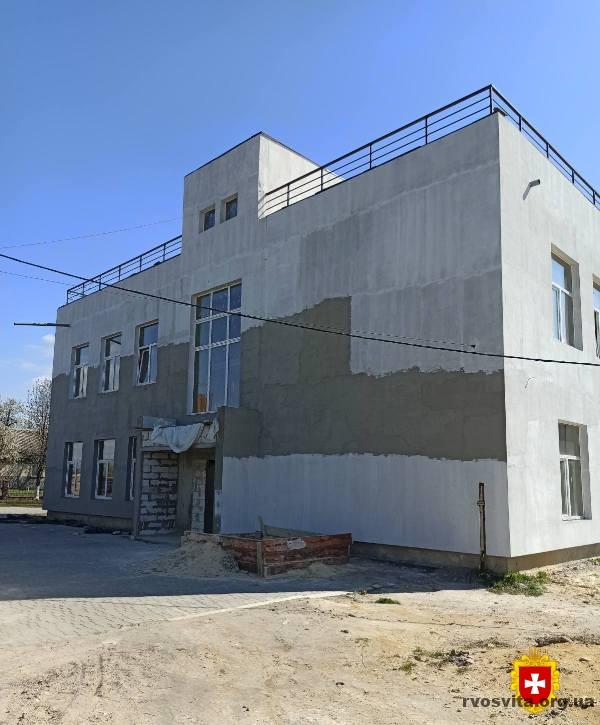 У рамках «Великого будівництва» у Корнині відновлюють старе приміщення школи