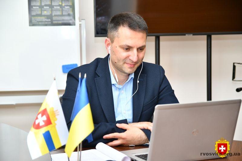 Визначено пріоритетні сфери економіки та професії у розвитку профосвіти Рівненщини
