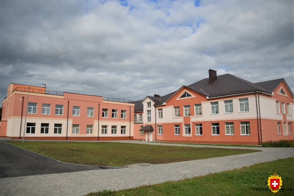 Ліцей у Корнині на 100% відповідає сучасним потребам – Міністр розвитку громад та територій