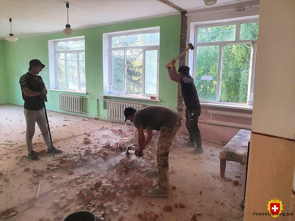 У селі на Гощанщині старе приміщення реконструюють під дитсадок